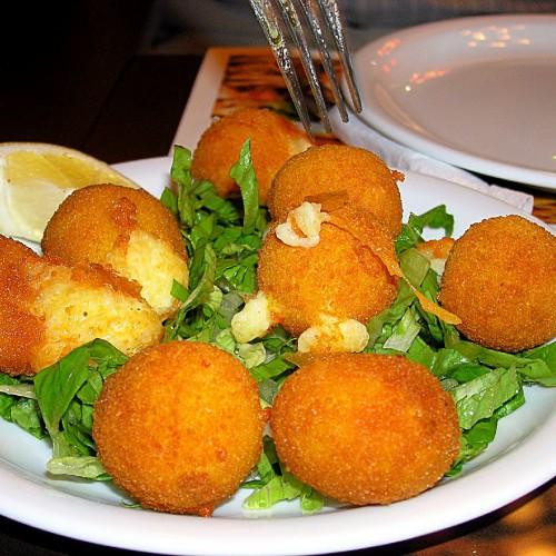 За вечеря вкусно и бързо  – кашкавалени топчета