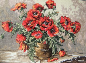H146 Red Poppies in vase Gobelin Art