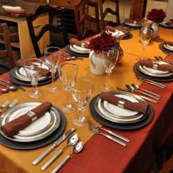 Как правилно да подредим масата, когато имаме гости