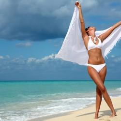 Няколко задължителни аксесоари за плажа, с които да сте неотразима