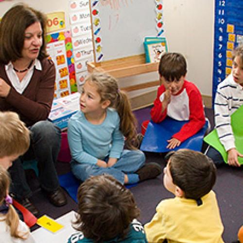 Да оставите ли детето си на ясла или детска градина