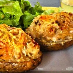 Пълнени картофи с пилешко месо