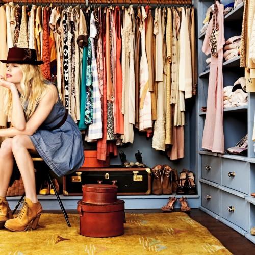 8 дрехи, които са универсални и винаги трябва да присъстват в гардероба ви