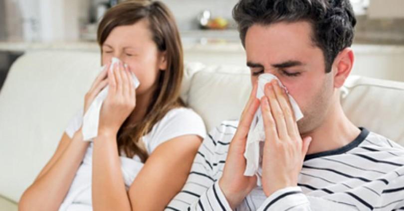 Как реагират жената и мъжът при грип