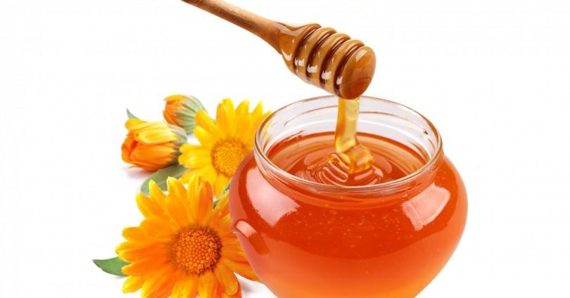 Защо да използваме мед вместо захар?