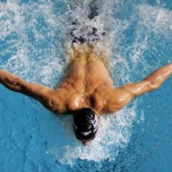 Защо е полезно плуването?