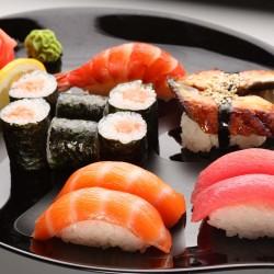 Как се яде суши?