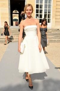 Eva-Herzigova-Christian-Dior-Spring-2014-Front-Row-600x900