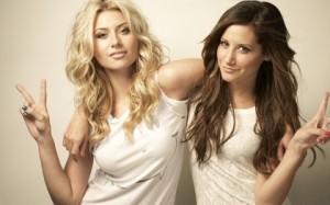 блондинки срещу брюнетки