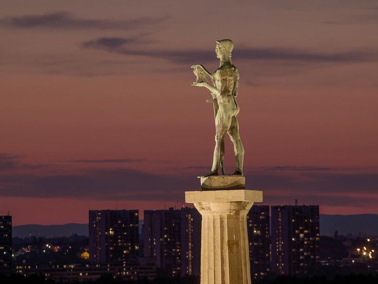 статуя на победата