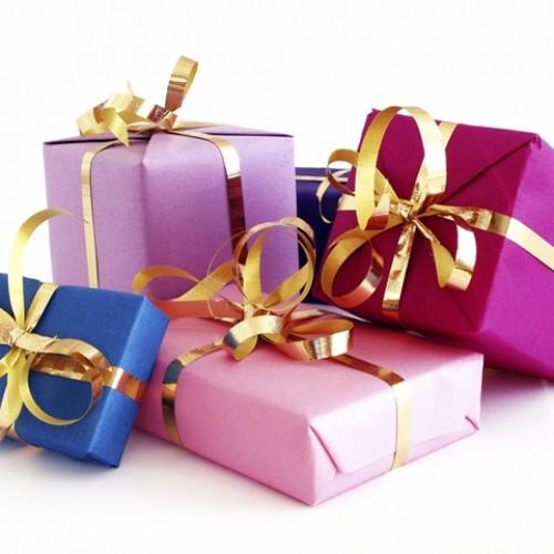 Как да опаковаме подарък за 15 секунди!
