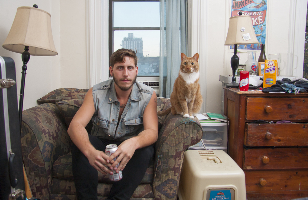 мъже и котки