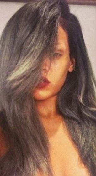 272AAA9800000578-3019682-Rihanna_went_grey_last_year_and_posted_this_image_of_her_silver_-a-79_1427815340691